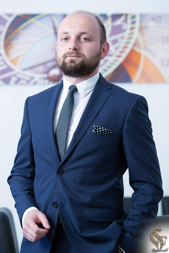 Marcin Banasik Kancelaria Prawna i Patentowa Efficis - radca prawny adwokat rzecznik patentowy Wieliczka Krakow Małopolska